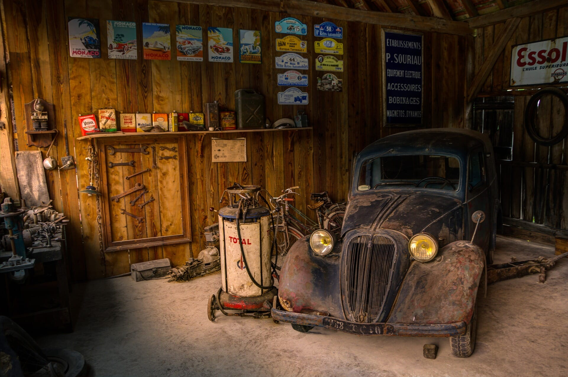 A reminder of what garages use to look like in a simpler time before the internet